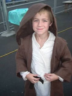 She Laughs at the Days: How (not) to make a Jedi Costume