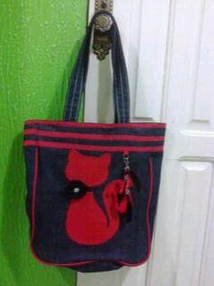 Bolsa com patch aplique vermelha