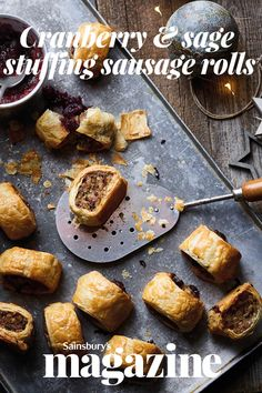 Cranberry and sage stuffing sausage rolls recipe Christmas Canapes, Christmas Food Gifts, Xmas Food, Christmas Cooking, Christmas Meat, Low Carb Appetizers, Low Carb Desserts, Gourmet Desserts, Plated Desserts
