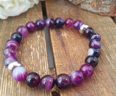 Bracelet mala. Agates violet,  rondelles acier inoxydable. Bracelet élastique. Bracelet yoga. Violet. Bracelet Boho. Bracelet femme de la boutique CreationL sur Etsy