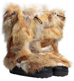 #Chloe fur boots. #sigrunwoehr