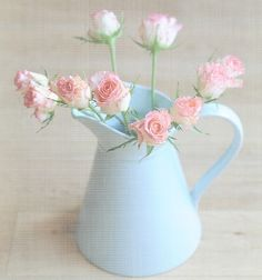 Pastel Girly Home Vintage Shabby Chic, Shabby Chic Homes, Shabby Chic Decor, Soft Colors, Pastel Colors, Soft Pastels, Pretty Pastel, Beautiful Flowers, Pastel House