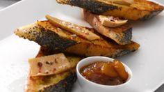Pain perdu de foie gras _ http://www.cuisineaz.com/dossiers/cuisine/foie-gras-aperitif-noel-13983.aspx