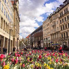 Schönes #Wetter komm zurück!!!  Dein München!  #weather #april #sky #clouds #traumstadt #city #munichcity #munichlifestyle #muenchen #münchen #munich #minga #monaxo #monaco #germany #deutschland Foto: @barbb_photography by muenchen
