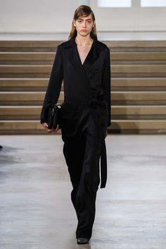 Jil Sander Fall 2015 Ready-to-Wear Fashion Show Collection