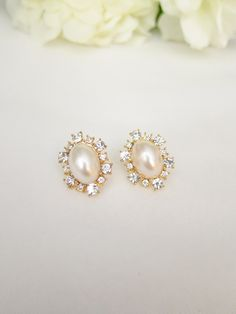 Vintage Pearl earrings ($11.50)
