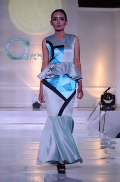 Fashion show #ArchSense, GeoArch by Nirmala Putri for the final project in my college. :D