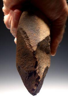 AFRICAN OLDOWAN PEBBLE CHOPPER TOOL ARTIFACT LOWER PALEOLITHIC TOOLS AFRICA