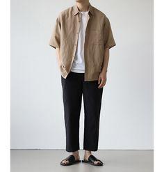 Most popular minimalist fashion photography clothing Mode Streetwear, Streetwear Fashion, Camisa Beige, Muji Style, Stil Inspiration, Look Man, Fashion Photography, Korean Fashion Men, Casual Styles