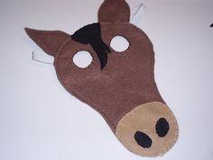 Mooi paardenmasker, de kinderen zullen het geweldig vinden! Alleen nog even elastiek halen ;)