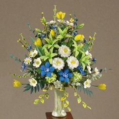 Good Sam Showcase of Miniatures: At the Show - Floral Arrangements and More