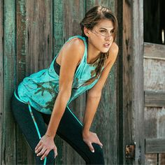 Realtree Women's Mint Camo Active Leggings Model