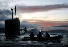 Royal Navy Trafalgar-class nuclear submarine HMS Talent conducting Dive and Surface Drills in the Kyle of Localsh, Scotland 2009 Special Ops, Special Forces, Royal Navy Submarine, Naval Special Warfare, Nuclear Submarine, Us Navy Seals, Go Navy, My Champion, United States Navy