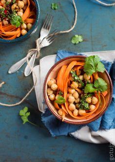 Sałatka z marchewki i ciecierzycy