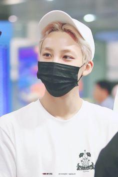 DGxFL5OXgAAmK9t.jpg (800×1200) Seventeen Wonwoo, Seventeen Memes, Seventeen Debut, Woozi, Seventeen Wallpapers, Happy Boy, Seungkwan, Kdrama, Boyfriend Material