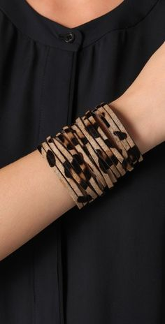 Not necessarily a leopard fan, but I really like the style of this. Wraps are fun.
