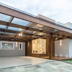 Garajes de estilo moderno de Plena Madeiras Nobres