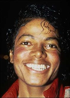 Michael Jackson turned to surgery after kids mocked his nose Nose Makeup, I Cried For You, Photos Of Michael Jackson, Smile Pictures, Fake Nose, The Jacksons, Archangel Michael, Janet Jackson, Is 11