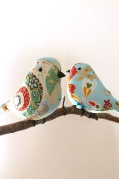 Bird Mobile Decoration - Birds Hanging Twig - Unique New Home/Baby Gift Bird Mobile, Hanging Mobile, Fabric Crafts, Sewing Crafts, Sewing Projects, Spring Birds, Bird Crafts, Fabric Birds, Bird Patterns