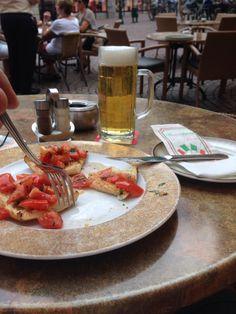 Bruschetta & pilsen beer