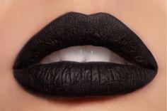 Matte black lips.... Hum