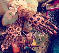 Instagram @MendhiHennaArtist Henna Flower Designs, Pretty Henna Designs, Indian Mehndi Designs, Stylish Mehndi Designs, Mehndi Designs For Girls, Bridal Henna Designs, Mehndi Design Photos, Henna Designs Easy, Beautiful Mehndi Design