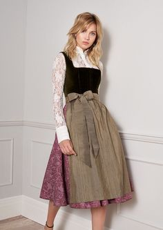 Kinga Math Dirndl Otoño 2018 Invierno 2019 - Top Of The World Dirndl Skirt, Trendy Outfits, Fashion Outfits, Structured Dress, Renaissance Dresses, College Outfits, Lolita Dress, Traditional Dresses, The Dress