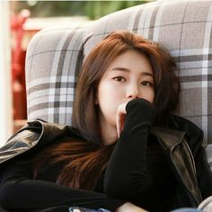 Image may contain: 1 person, sitting Korean Actresses, Korean Actors, Actors & Actresses, Bae Suzy, Korean Beauty, Asian Beauty, Suzy Instagram, Miss A Suzy, Foto Pose
