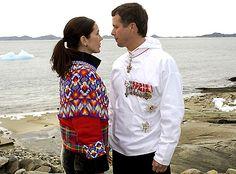Mary og Frederik sammen på Grønland juni 2004 (Foto: Hanne Juul/BILLED-BLADET) Billedserie: Frederik som kærlig familiefar og ægtemand | Billed Bladet