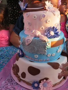 Cake at a Cowgirl Party #cowgirl #partycake