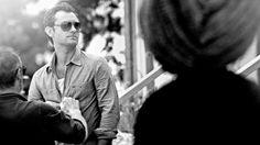 """O cenário exclusivo que protagonizou a campanha fotográfica masculina Primavera/Verão 2013 """"He's In Vogue"""" de Vogue Eyewear foi Oyster Bay, Long Island. É uma localidade maravilhosa, cenário de romances e filmes amados por gerações de artistas, famílias importantes e elegantes intelectuais de Nova Iorque que, nas luxuosas mansões de estilo New England, com vista para o oceano, viveram verões memoráveis..>>"""