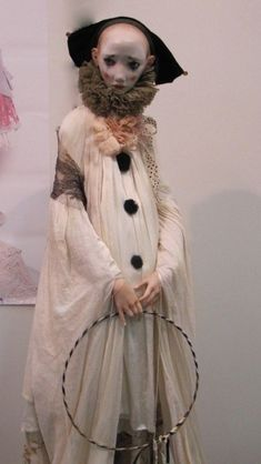 Doll by Alisa Filippova Pierrot Costume, Pierrot Clown, Photo Reference, Art Reference, Character Inspiration, Character Art, Saint Yves, Dark Circus, Vintage Clown