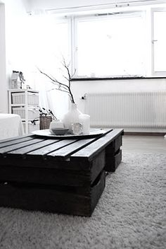 crate coffe table..this would be cool to try