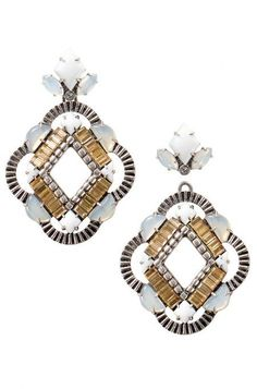A mosaic of cool tones transforms from a unique statement chandelier to a neutral stud.  Kaia Chandelier Earrings | Stella & Dot.  www.stelladot.com/sites/feliciabranch