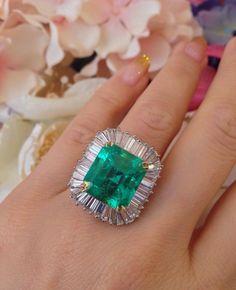 Estate 10.08 ct Emerald and Diamond Ballerina Ring in 18k White Gold - HM1438 #ballerina