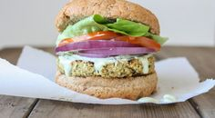 Simple yet flavorful plant based burgers showcase the natural flavors in the ingredients. This hemp and cauliflower burger is a perfect way to mix it up! Falafels, Sloppy Joe, Healthy Cheat Meals, Vegetarian Meals, Healthy Food, Veggie Meals, Veggie Dishes, Healthy Dinners, Vegan Dinners