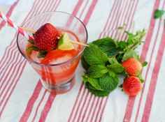 Strawberry Moscow Mule recipe! Great warm weather drink!
