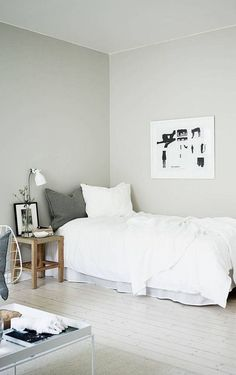 Flawless 15 Amazing Room Ideas For Minimalist Apartment https://decoratio.co/2017/12/26/minimalist-apartment/ Living in apartment means that you need to decorate your things as simple as possible, of course with a theme of minimalist apartment.