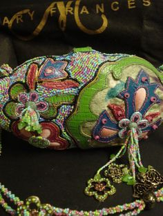 MARY FRANCES Clam Shell GARDEN Floral BAG Purse NEVER USED #MaryFrances #Clutch