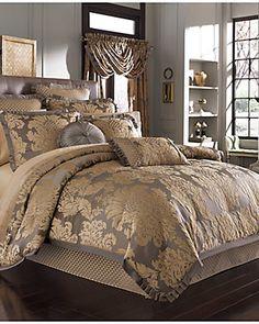 J Queen Melbourne Comforter Set
