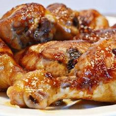 The best chicken leg recipes - Chicken legs are relatively inexpensive! Cooking Foil, Cooking Dishes, Cooking Recipes, Baked Chicken Legs, Chicken Leg Recipes, Sticky Chicken, Chicken Meals, Lemon Chicken, Drumstick Recipes