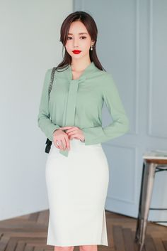 Swans Style is the top online fashion store for women. Shop sexy club dresses, jeans, shoes, bodysuits, skirts and more. Work Fashion, Asian Fashion, Modest Fashion, Fashion Outfits, Business Casual Outfits, Professional Outfits, Meeting Outfit, Pencil Skirt Outfits, Online Fashion Stores