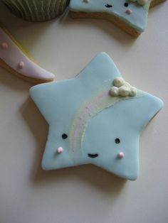 Children's cakes and biscuits 006 by Bath Baby Cakes, via Flickr