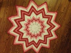 Hey, I found this really awesome Etsy listing at https://www.etsy.com/listing/203639969/pink-and-white-ripple-star-afghan