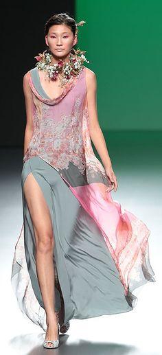 Devota & Lomba - Madrid 2013.... Love the dress.....NOT the 'necklace' (?)
