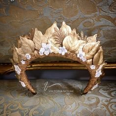 Gold leaf crown by Viktoria Novak, Australia Gold Leaf Crown, Gold Outfit, Halloween Costume Accessories, Fantasy Costumes, Bridal Headpieces, Fascinators, Tiaras And Crowns, Bridal Hair Accessories, Headdress