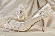 Lace Wedding Shoes Custom 120 Color Choices par Pink2Blue sur Etsy