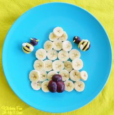 Bee Hive Fruit Snack.  Visit pinterest.com/arktherapeutic for more fun food and #feedingtherapy ideas