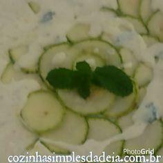 Cozinha Simples da Deia: Carpaccio de abobrinha com molho de iogurte e hortelã
