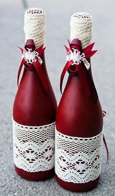 Looking for wine bottle crafts?, this round up is your one-stop-shop from Do it … Looking for wine bottle crafts?, this round up is your one-stop-shop from Do it yourself glasses to really definitely elegant parmesan cheese trays. Glass Bottle Crafts, Wine Bottle Art, Painted Wine Bottles, Diy Bottle, Glass Bottles, Decorate Wine Bottles, Wine Bottle Decorations, Box Decorations, Empty Wine Bottles